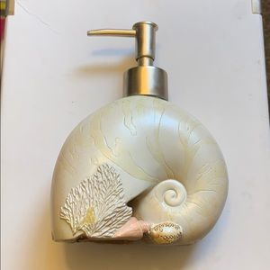 🎉SALE!!! Shell hand soap dispenser